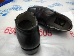 Bota de couro preta
