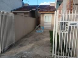 Bela casa à venda com 2 quartos, no bairro do Ganchinho em Curitiba, próximo a rua Eduardo