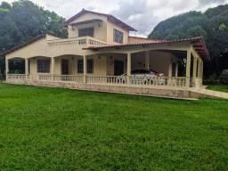 Casa com área de lazer(edicula)