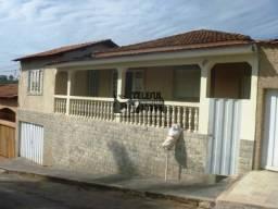 Casa com 05 quartos no bairro Corcetti I.