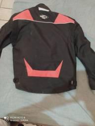 Vendo essa jaqueta semi novo 350 reais