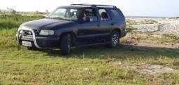 Blazer 99 funcionando todos os opcionais a gás e gasolina com 4 pneus 70% (troco)