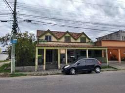 Vendo casa no Fragata, ótima localização, de esquina