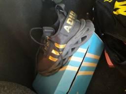 Tênis Adidas 70 REAIS número 40
