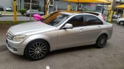 Mercedes c-200 para pessoas exigentes