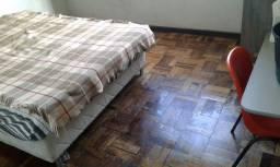 Quartos uma quadra do extra da kennedy apartir R$ 400.00 reais zap *