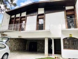 Casa com 05 quartos- Alto da XV