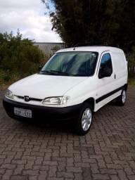 Peugeot partner 2000 1.8 8v ac/troca