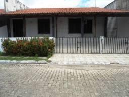 MS - Alugo Casa 4 Quartos / Sala Ampla/ Condomínio Fechado