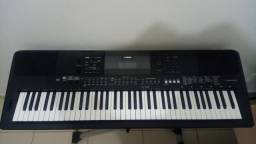 Teclado Piano Digital Yamaha PSR-EW410 76 teclas igual novo!