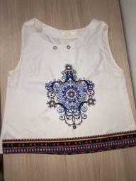 Blusa G branca com detalhes