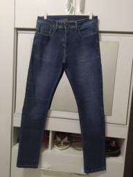Calça masculina Marca reserva, veste 40