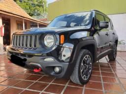 Jeep em ótimo estado de conservação.