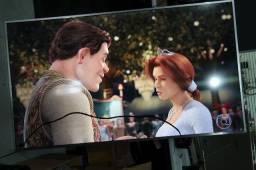 Tv Samsung 65 pol 4k com tela trincada