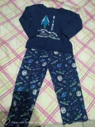 Pijamas masculino infantil.
