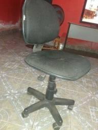 Cadeira de rodas.Giratória.