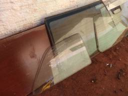 Vidros, porta e parabrisa carro