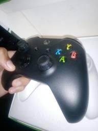 Controle Xbox one semi novo / caixa