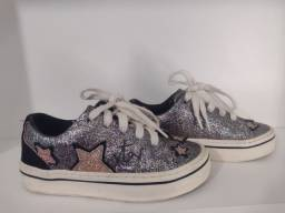 Tênis com glitter super fashion Zara. Seminovo. Tamanho 29-30