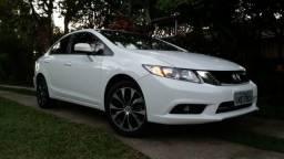 Honda Civic LXR em raro estado de conservação - Particular - 2016