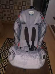 Vendo Cadeira para Criança Burigotto
