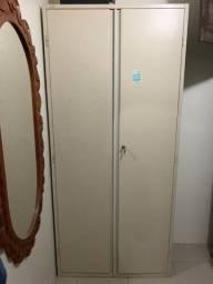 Armario de escritório com portas