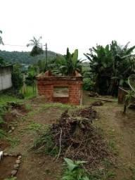 Terreno com uma construção pra terminar.Taquari Parati R.J