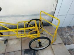 Vendo uma bicicleta triciclo otima para montar uma food bike