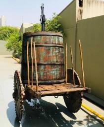 Carro de Boi com Barril de Carvalho e Bomba de Água