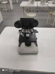 Microscópio Bioval