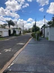 Casa para Venda em Uberlândia, Karaíba, 3 dormitórios, 2 banheiros, 5 vagas