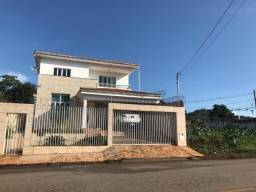 Linda casa de 2 andares com área total de 480 m²