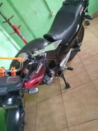 Moto estrada 250 top
