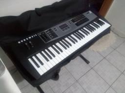 Pra vender logo  teclado kme 61 de 5/8 .1.300