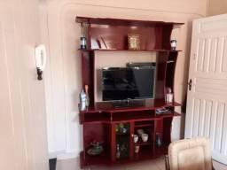 Estante + TV ou Aparelho de som + mesa de centro