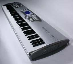 Piano Digital Alesis Fusion 8HD