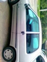 PEUGEOT 106  8v 1.0 Carro está em TIMOTEO MG