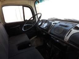 Caminhão 1113 Toco Baú ano 81/81