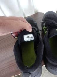tênis Nike praticamente zero bala
