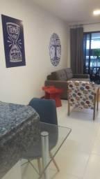 Apartamento 1/4 suíte, com varanda, 100% mobiliado e decorado.