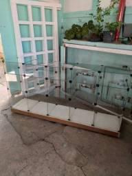 balcao de vidro com rodinhas