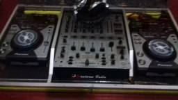 Cdj 400 + case + Mixer behringer djx 700
