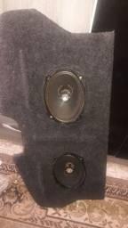 Tampão traseiro do celta com alto falantes 6x9