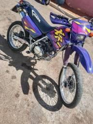 XR 200 moto pra coleção nada pra fazer filé toda