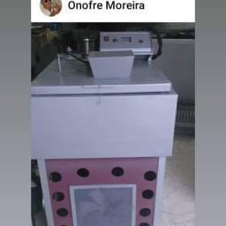 Máquina para fabricar picolé completa nova.