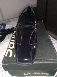 Tenho esses 2 sapatos social pra vender número 41 e 43 80 reais cada um