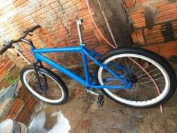 Bicicleta de alumínio aro vmaxx e freio a disco. ARO 26