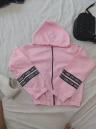 Jaqueta rosa com capuz