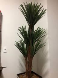 Planta artificial com vaso