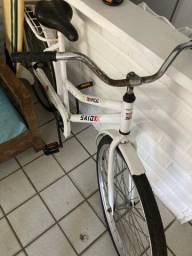 Bicicleta contra pedal